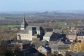 Ortskern von Clermont-sur-Berwinne - hoch über dem Tal der Berwinne gelegen beherrscht die Jakobskirche eine Landschaft, die zum Wandern einlädt. (Belgien)