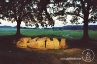 Dolmen in Weris (Belgien) - Teil einer großflächigen Anlage von Steinsetzungen aus der Steinzeit